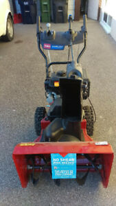 Toro Power Max 724 OE 2-Stage Snow Blower