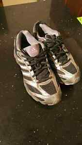 Adidas womens shoes size 9