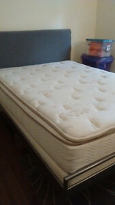 Double mattress, boxspring and bedframe