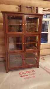 DINING DISPLAY CASE/CABINET