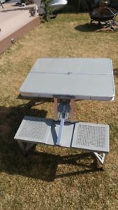 Foldable kids picnic table
