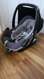 Maxi cosi pebble plus with isofix 2wayfix car seat base as new