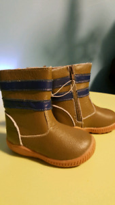 NEW size 5 leather boots