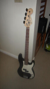 Fender Squier Electric Bass Guitar with Bag