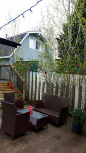 2 bedroom, 1 bath furnished suite in College Heights