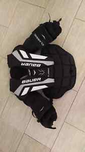 Bauer Classic Goalie Chest Protector Kitchener / Waterloo Kitchener Area image 1