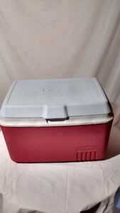 Rubbermaid Camping Cooler - St. Thomas