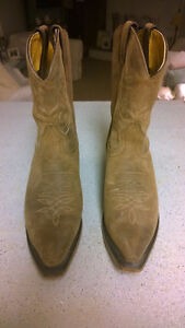 LADIES WESTERN BOOTS SIZE 8 Peterborough Peterborough Area image 2