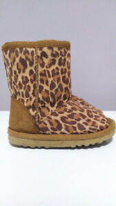 Pair of Leopard Print Boots, Toddler Girl, size 7
