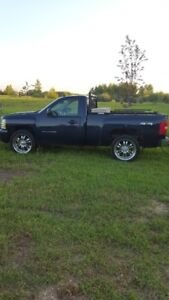 Chevy Silverado LT 4/4 short Box