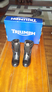 TRIUMPH MOTORCYCLE BOOTS  MADE IN USA SIZE 9