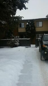 (((FENCED FRONT & BACK YARDS))) Townhouse in Clareview for rent