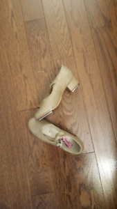 Tap shoes size 2.5