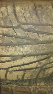 Single 215/65R16 all season tire