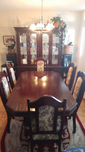Dining Set with Hutch