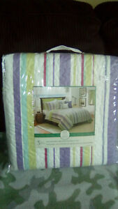 Double/queen 3 piece quilt set