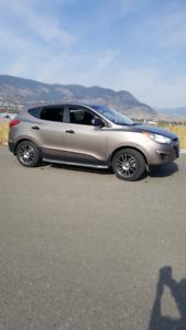 2012 Hyundai Tucson GL SUV  AWD