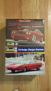 2 Revell model cars.
