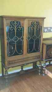 Dining Set $650 Firm