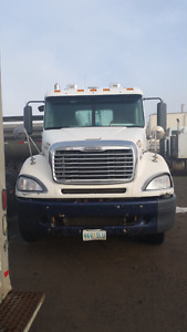 2006 freightliner Colombia