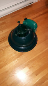 Christmas Tree Stand with Self watering reservoir - used once