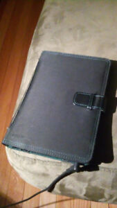 Acer tablet w/ power cable and notebook case