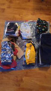 Bag of 12month boy clothes (great condition)