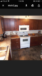 Upper kitchen cabinets for sale!