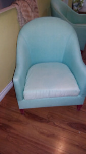 2 accent chairs with covers