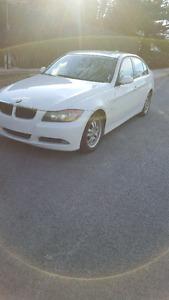 Bmw 323i 2008 7000$