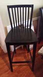 Chaise haut pour comptoir ou bar Neuf.