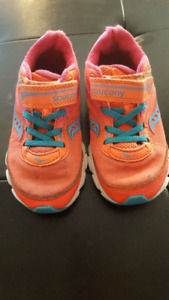 Saucony size 11 runners