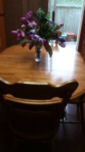 Solid Maple Dining Table with Leaf and 4 Chairs