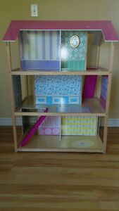 Awesome two sided Doll house! Kingston Kingston Area image 1