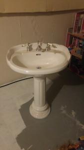 Vintage Free Standing Sink