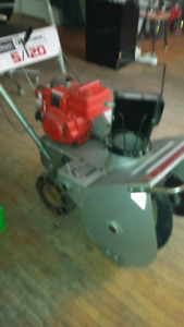 Craftsman 5/20 self propelled Snowblower
