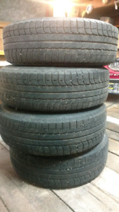 Michelin X-ICE 215/70-R16