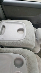 Toyota sienna 3 middle  seat 4 sale best offer must go
