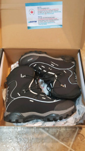 Baffin snosport winter boots men's size 9 brand new