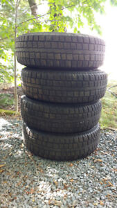 235 75 16 Cooper discovery M+S tires and rims