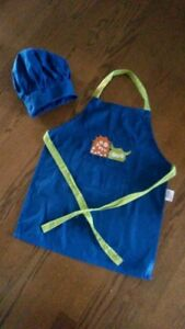 Childs apron and hat