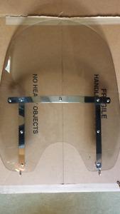 Quick Release Harley Davidson Windscreen. Brand New in Box