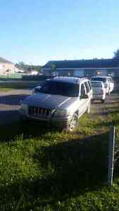 Jeep grand cherokee limited 2000 piece ou route V8 4.7