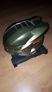 Halo 3 Legendary Edition Master Chief Helmet + Stand