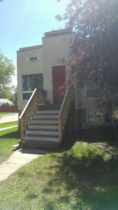 Wetaskiwin - Character 2 bdrm 1/2 duplex renovated downtown