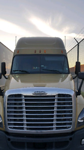 2012 Cascadia with 4 years extended warranty