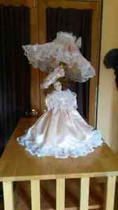 Collectable Porcelain Doll Lamp Windsor Region Ontario image 1