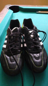 Crampons Adidas cleats-size 11