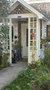 3 bedroom duplex to sublet in SAdB to a family or Mac grad stds