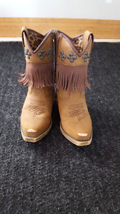 Size 4 Cowgirl Boots